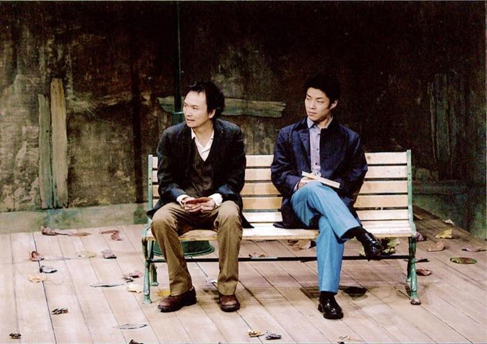阿佐ヶ谷スパイダース『失われた時間を求めて』(2008年)より。左から長塚圭史、伊達暁。