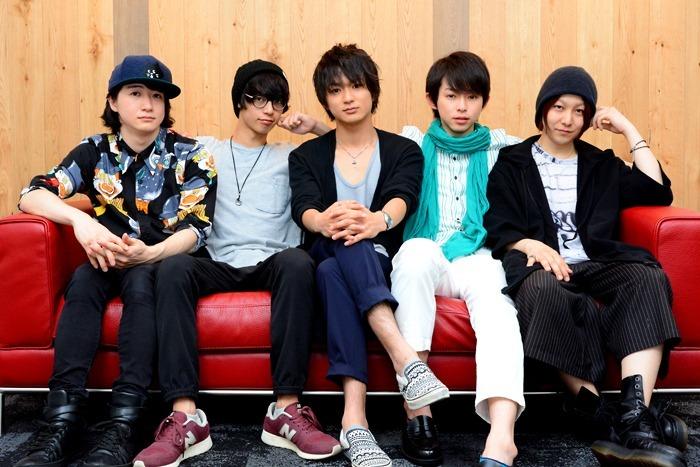 (左から)吉田翔吾、栗原大河、山木透、佐藤智広、久下恭平