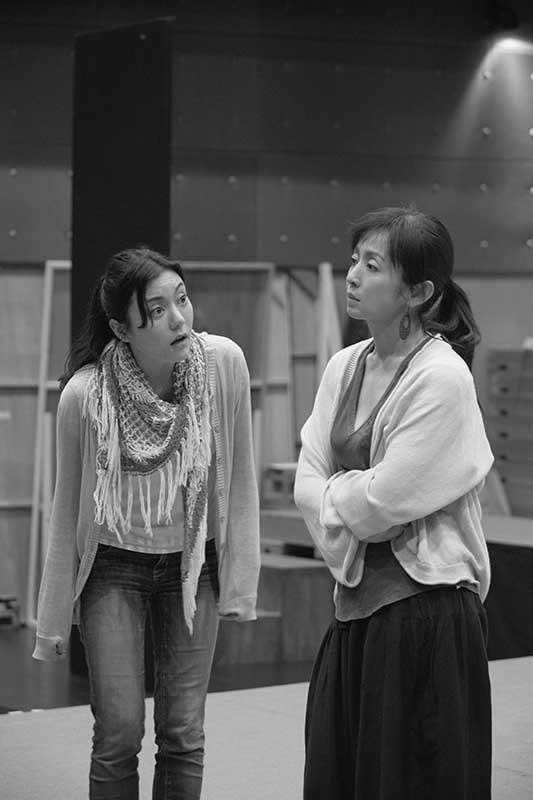左から鈴木杏、斉藤由貴(撮影:久家靖秀)