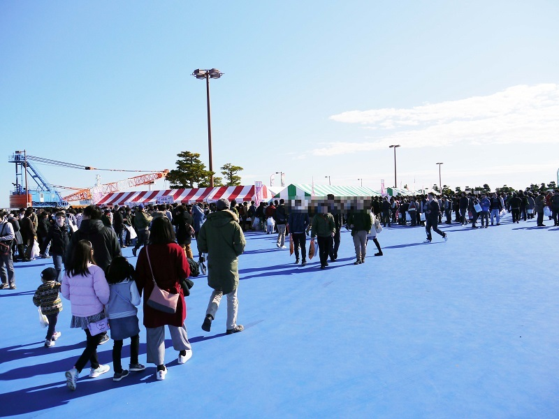 大洗港第4埠頭会場では、あんこう祭前日より「ガルパンミニミニホビーショー」を開催。新作グッズの先行販売や新作フィギュアの展示などで盛り上がった。