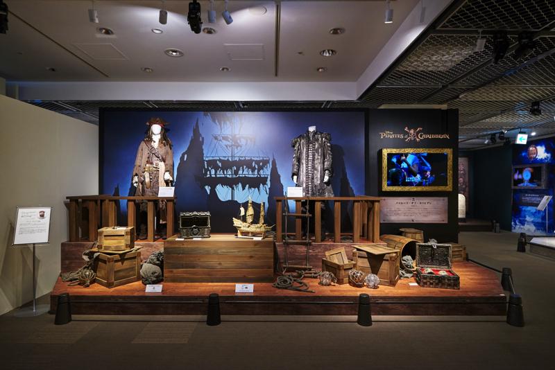 映画『パイレーツ・オブ・カリビアン』 ジョニー・デップのアイディアが詰まった衣裳と小道具 (C)Disney