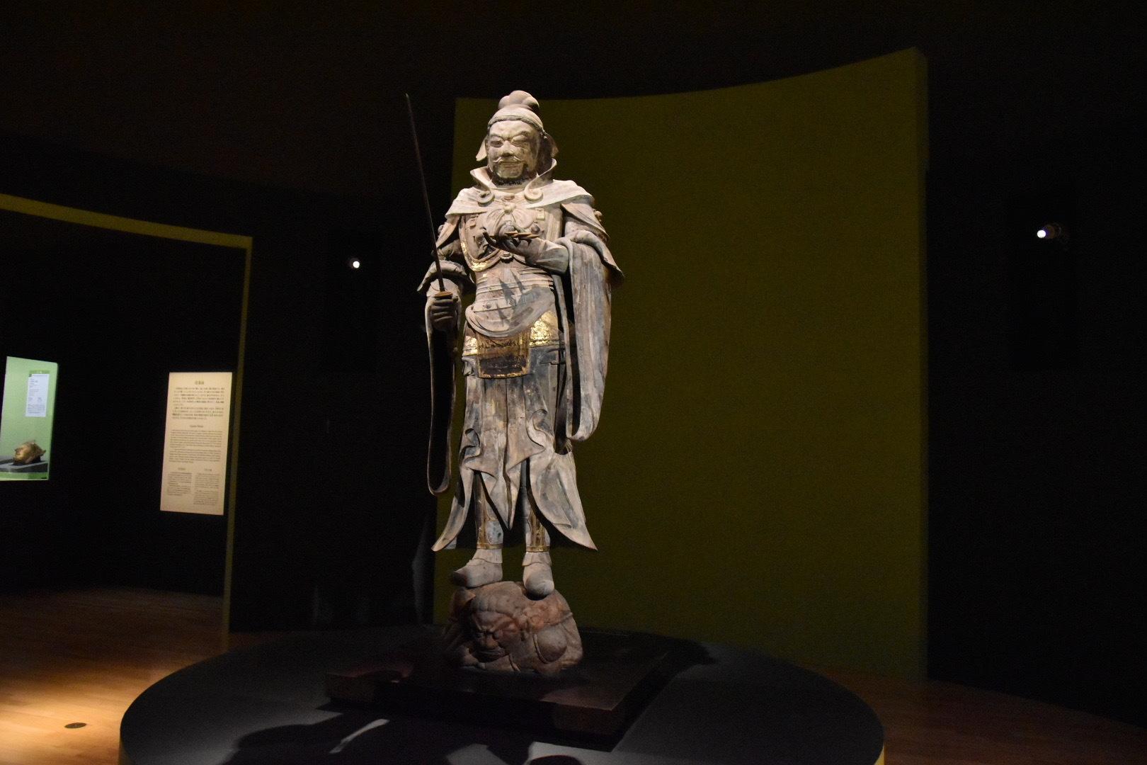 持国天立像(重要文化財) 飛鳥時代 7世紀 奈良・當麻寺