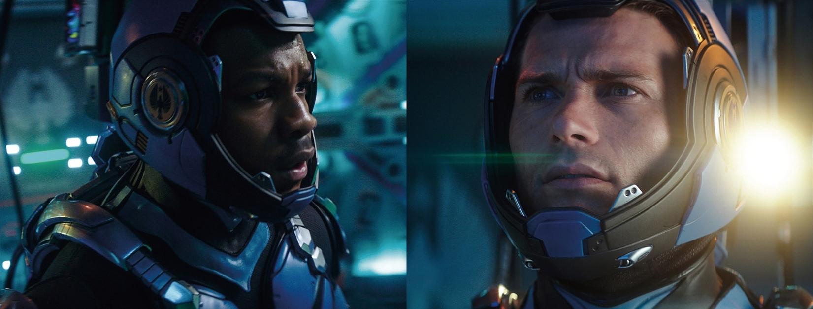 左から、ジョン・ボイエガ、スコット・イーストウッド (C)Legendary Pictures/Universal Pictures.