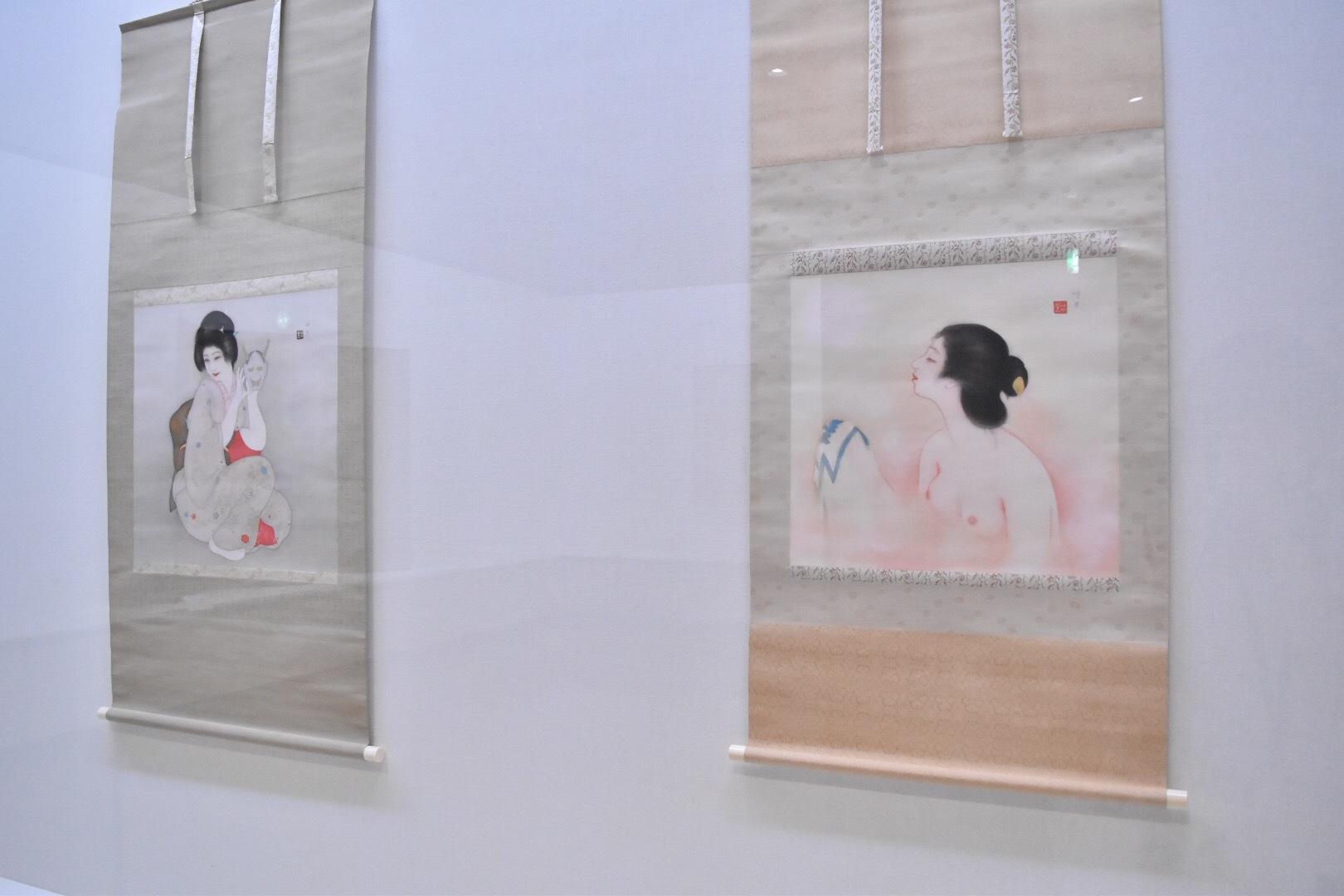 左:岡本神草 《仮面》 昭和2(1927)年 培広庵コレクション 右:岡本神草 《浴》 大正14(1925)年