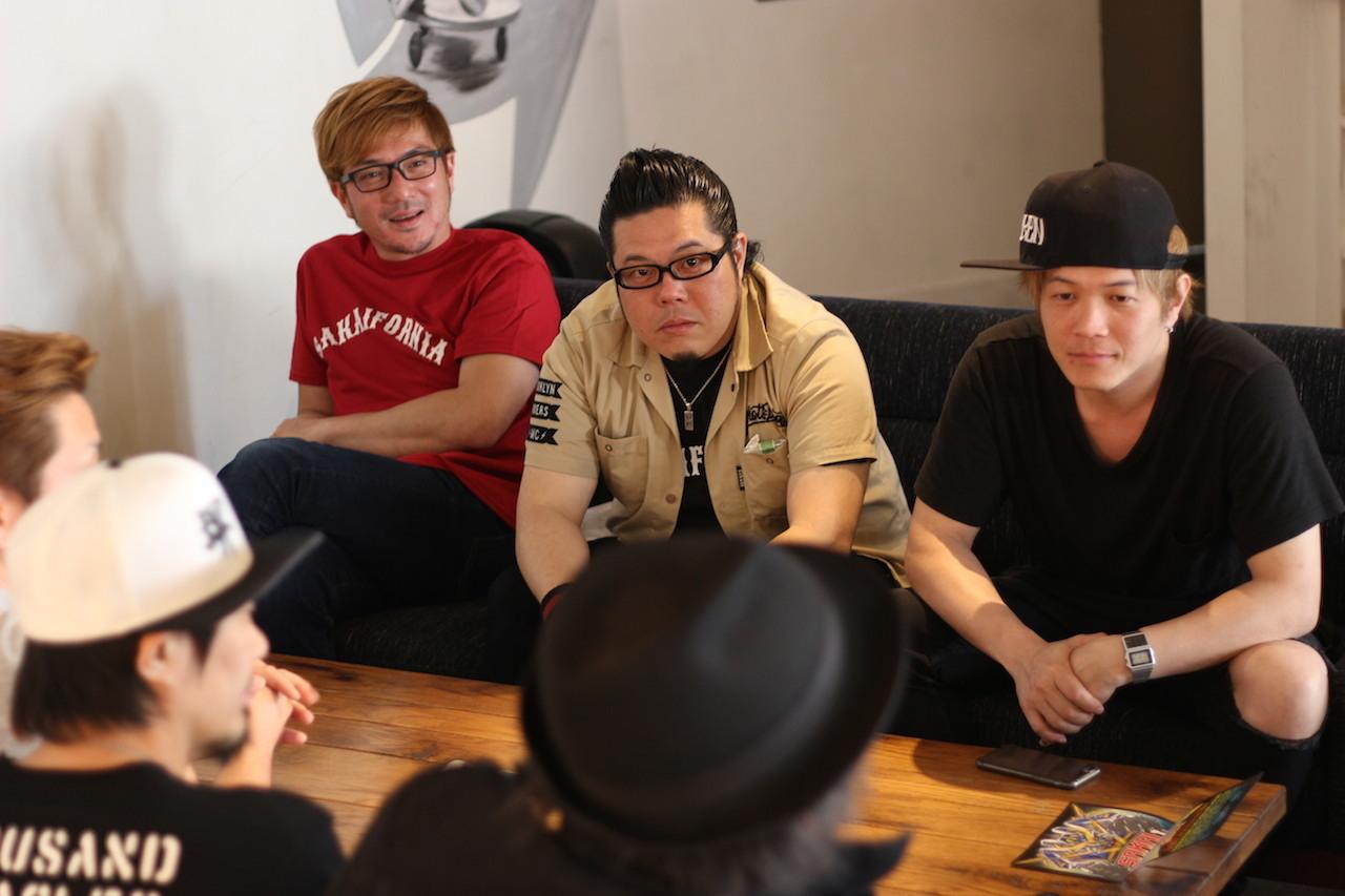 左から、MAKKIN、NAGAI、TANNY
