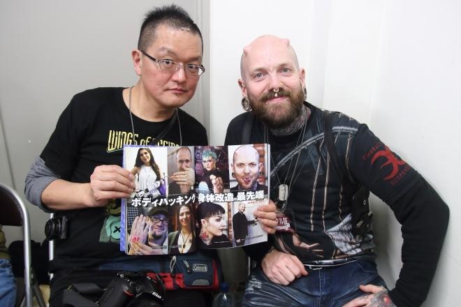 ケロッピー前田(左)とラス・フォックス(右)