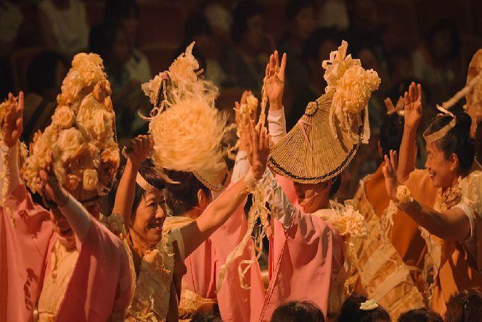 南大阪を中心に活動している阿波おどり「にしき連」も参加して、新しいお祭りを盛り上げる