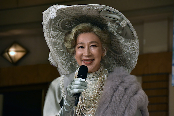 ヒギンズの母役の前田美波里