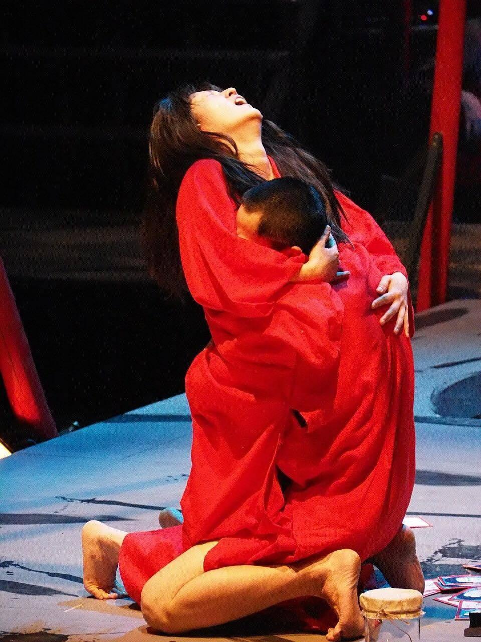 2015年の万有引力『身毒丸』ゲネプロより 提供:演劇実験室◉万有引力