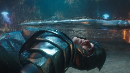 『アクアマン』と『ジャスティス・リーグ』水中バトルシーンはここが違う!本編映像の一部を解禁