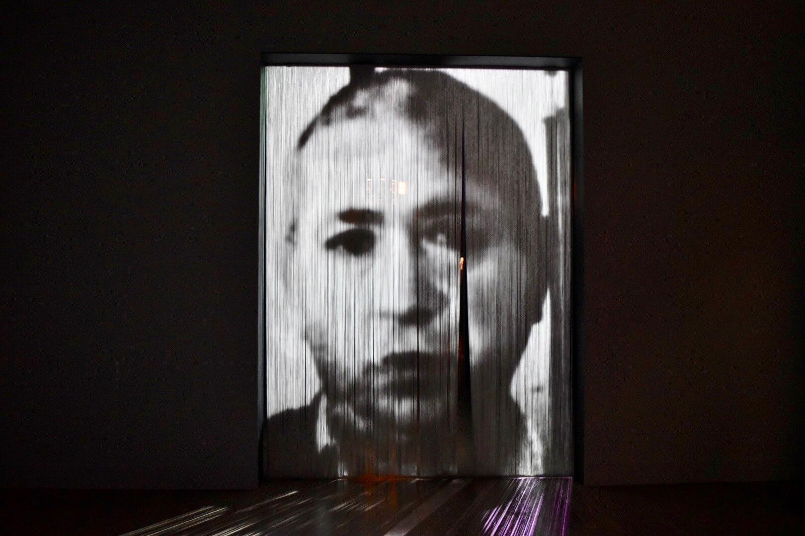 《合間に》 2010年 「クリスチャン・ボルタンスキー −Lifetime」展 2019年 国立新美術館展示風景