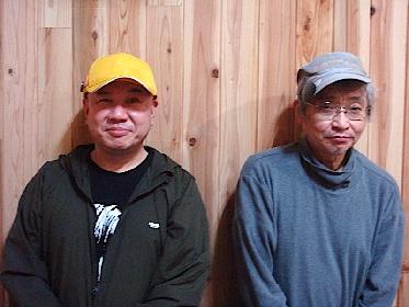 北村想が劇作・演出・出演の三役をこなす、春秋2バージョンの二人芝居。『戯曲・アリス人形館』〜春の夜編〜を、名古屋の小劇場と配信でまもなく上演