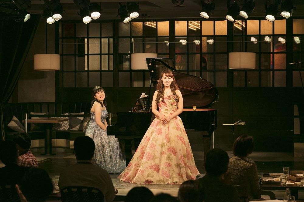 鈴木玲奈、天日悠記子(ピアノ)