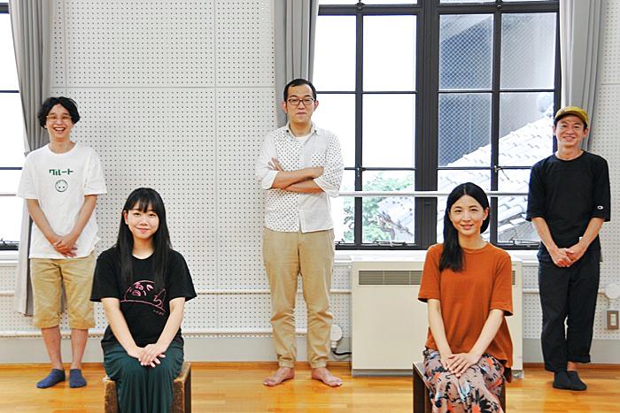 (左から)諸岡航平、藤谷理子、上田誠、早織、永野宗典。