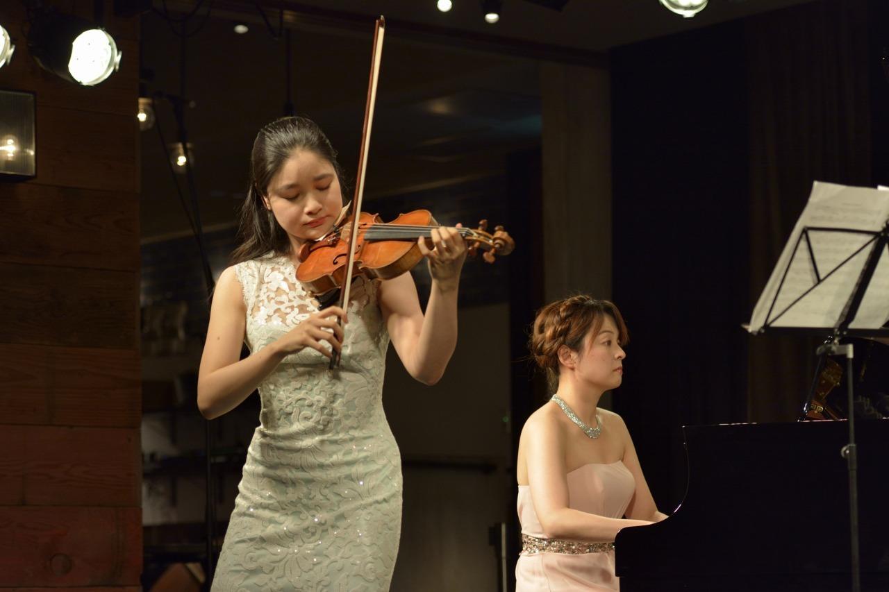 鈴木舞(ヴァイオリン)&岩崎洵奈(ピアノ)