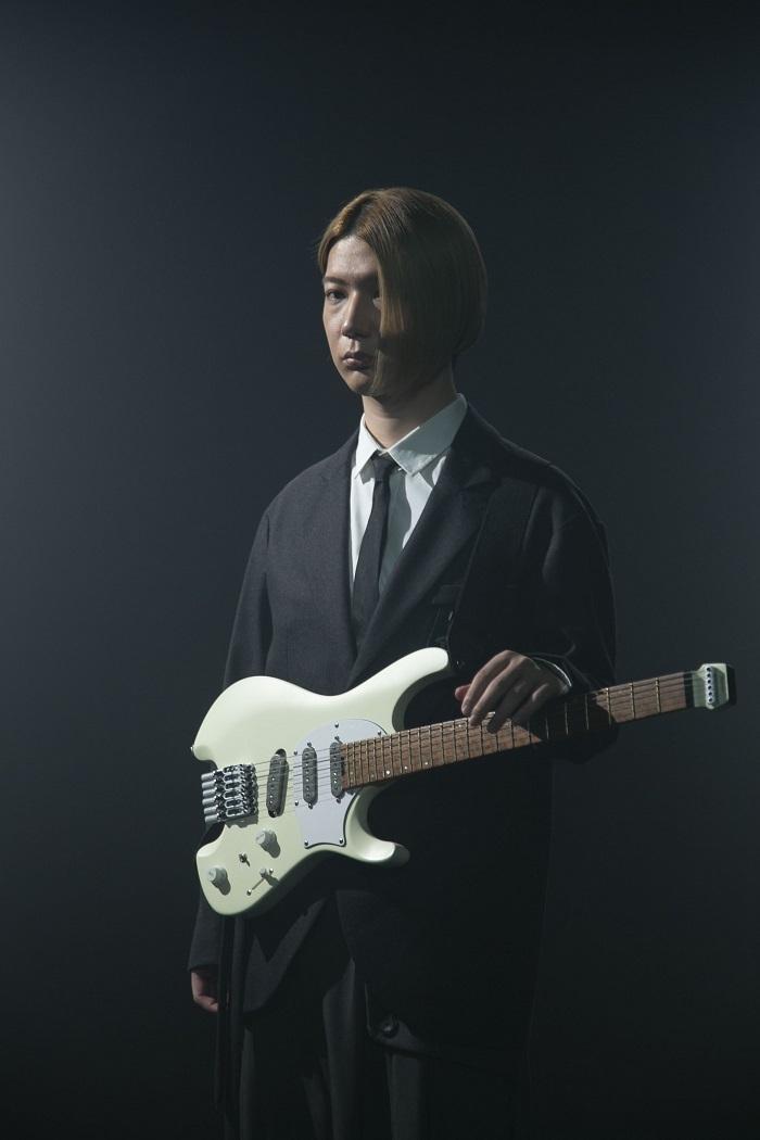 ichika(ギター/ハープ/音楽監督)