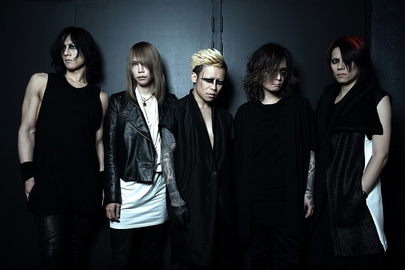 DIR EN GREY(L⇒R)/Toshiya(B)、Shinya(Dr)、京(Vo)、薫(G)、Die(G)