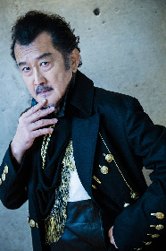 小栗旬主演『ジョン王』を演出する吉田鋼太郎 シェイクスピア愛、小栗愛を語る