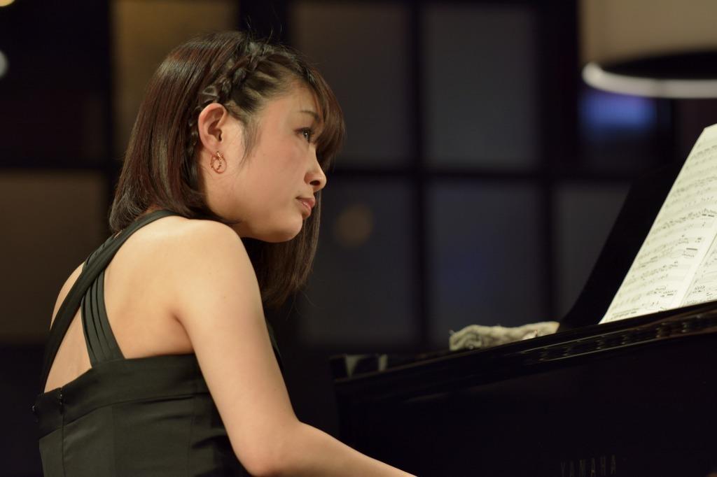 小澤佳永(ピアノ)