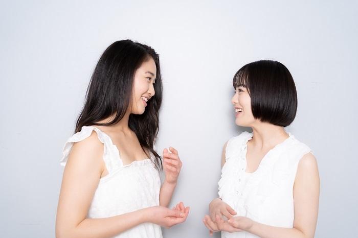 (左から)天翔愛、伊原六花