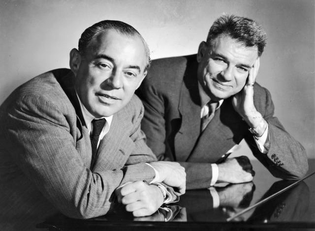 作曲家リチャード・ロジャーズ(左)と作詞家オスカー・ハマースタイン2世