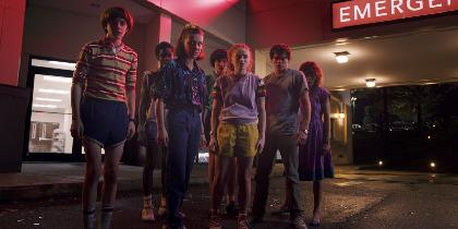 Netflix『ストレンジャー・シングス』シーズン3予告編を公開 成長したイレブンたちが再び冒険&異形の巨大クリーチャーも登場
