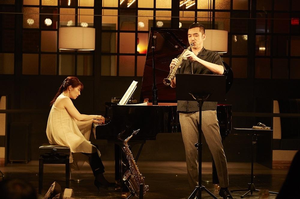 大石将紀(Sax)、新居由佳梨(ピアノ)