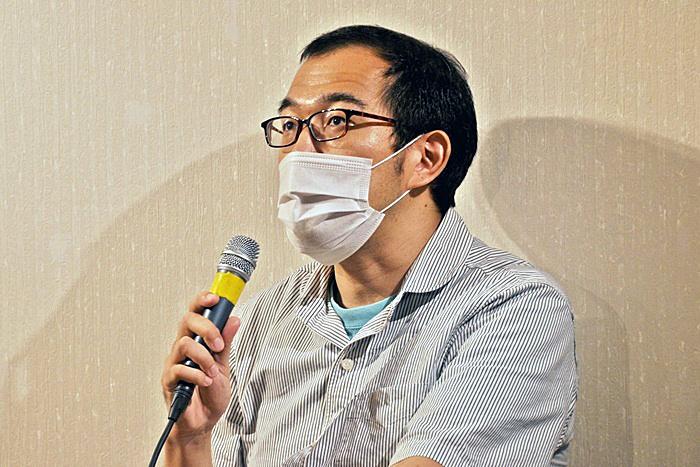 上田誠(ヨーロッパ企画)。