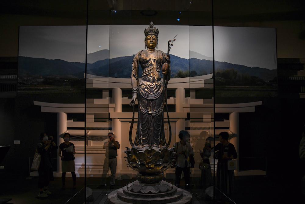 国宝《十一面観音菩薩立像》奈良時代・8世紀 奈良・聖林寺蔵