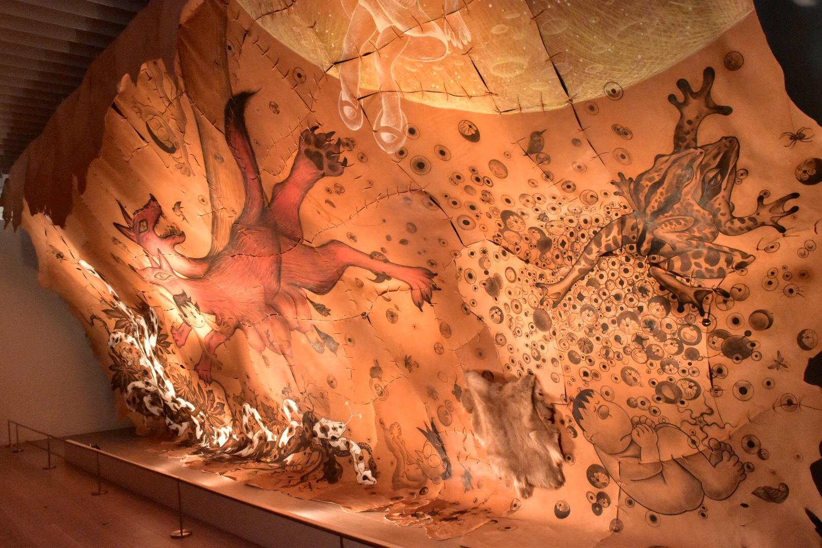 鴻池朋子「しずかちゃんの洞窟」