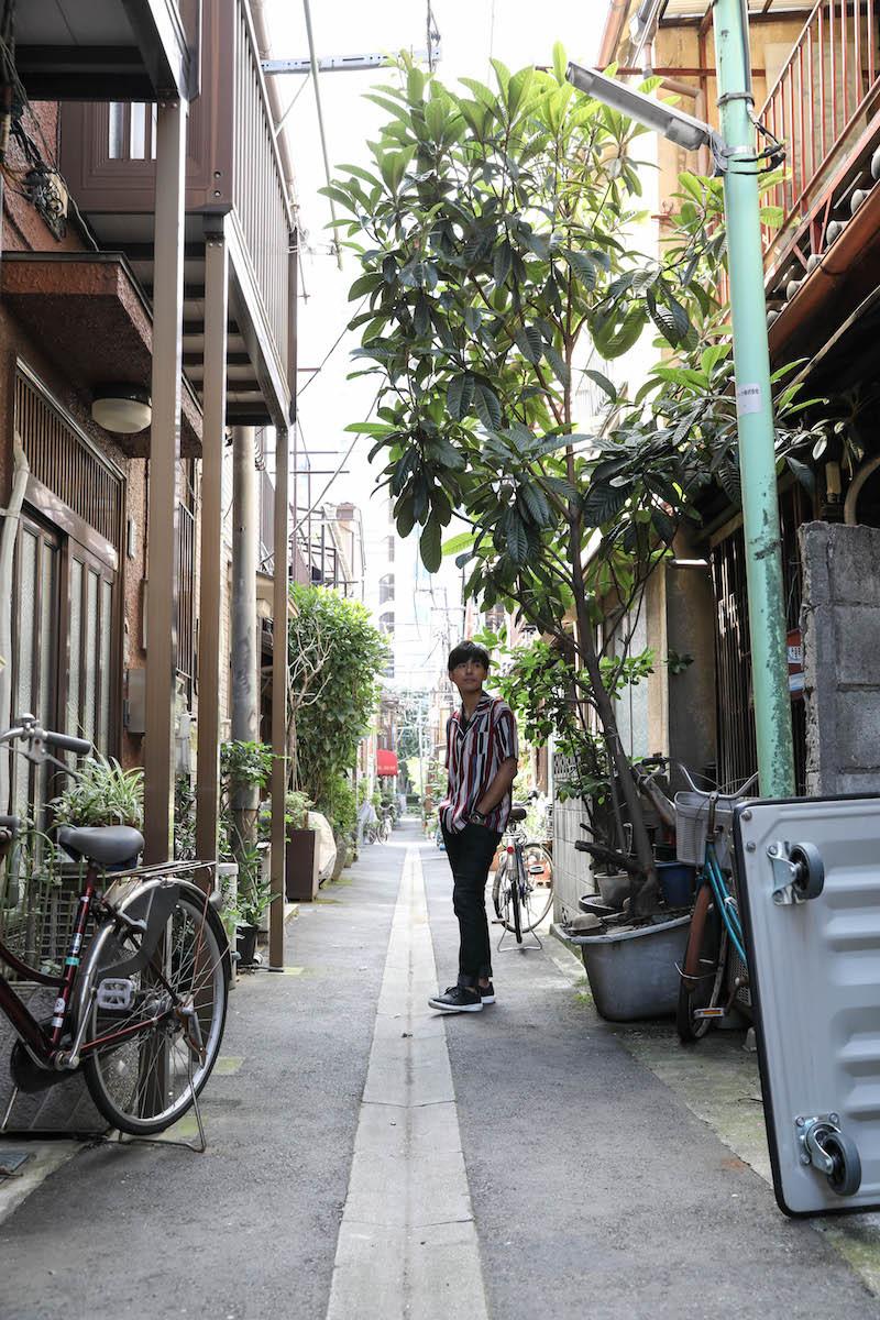 古き良き路地裏、といった風情の通りが散在する月島エリア。