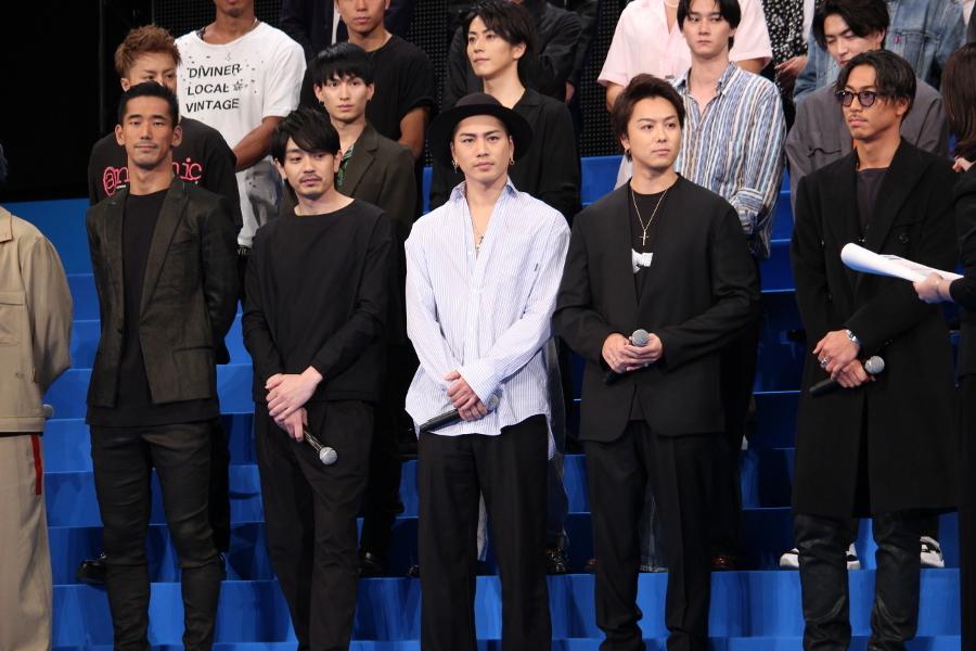 (左から)小林直己、青柳翔、登坂広臣、TAKAHIRO、AKIRA