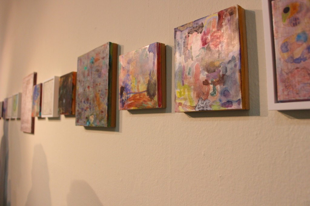 4階 梅津庸一個展「視神経と鏡」の様子