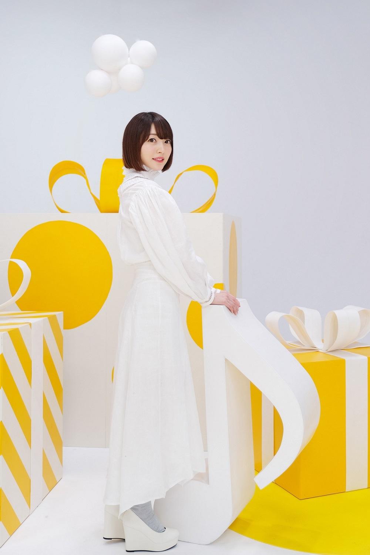 花澤香菜アーティスト写真
