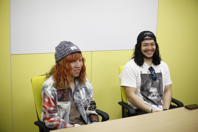 HER NAME IN BLOOD / Daiki(写真左)、Ikepy(写真右)
