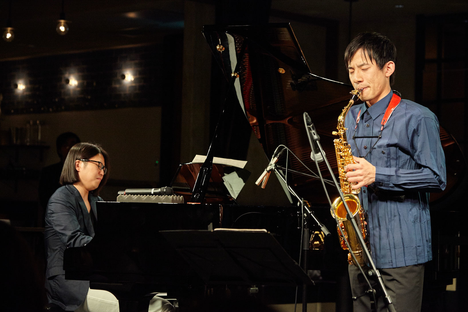 反田恭平(ピアノ)、上野耕平(サックス) 撮影=岩間辰徳