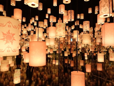 中川翔子も感激! 『ディズニー・アート展』に『塔の上のラプンツェル』のランタンが輝くインスタレーションが登場
