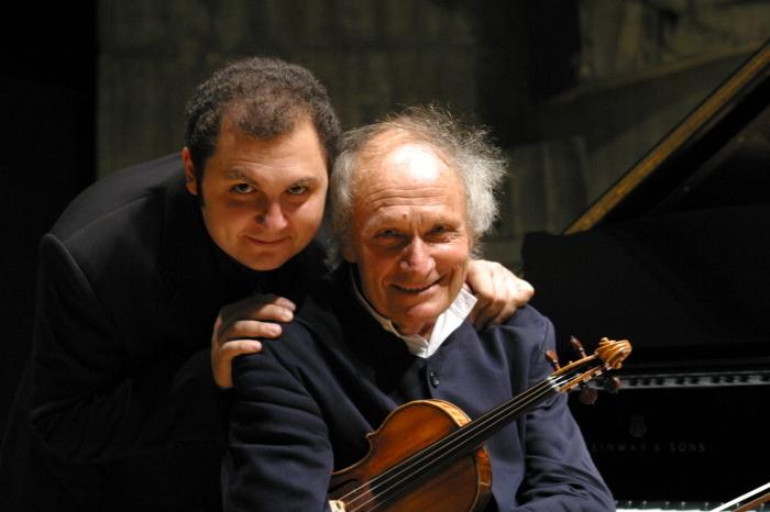 イヴリー・ギトリス(ヴァイオリン)とヴァハン・マルディロシアン(ピアノ)