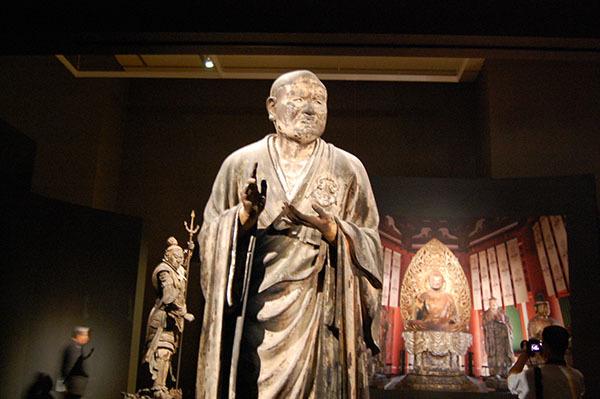 運慶作「世親菩薩立像」(1212年頃、奈良・興福寺所蔵)