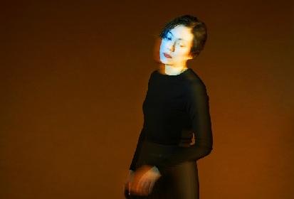 鈴木杏が激しい憎悪を抱く女性を演じる一人芝居『殺意 ストリップショウ』ビジュアルと公演詳細を発表