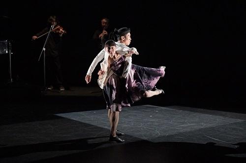 「DANCE to the Future 2016 Autumn」公演で、中村恩恵のアイディアで上演された『即興』 撮影:鹿摩隆司
