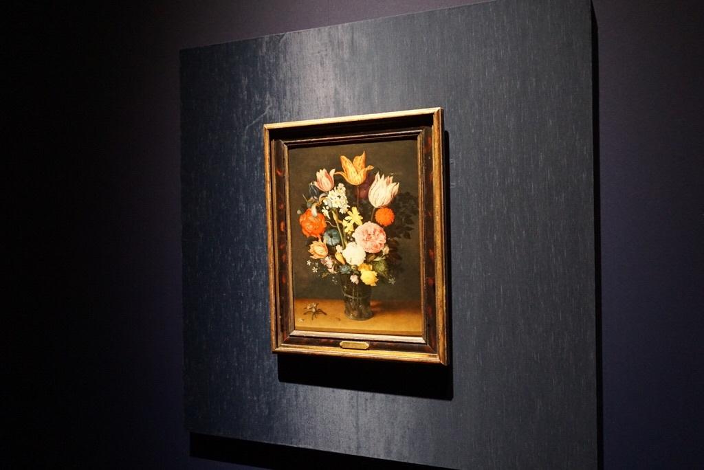 《机上の花瓶に入ったチューリップと薔薇》ヤン・ブリューゲル1世、ヤン・ブリューゲル2世  1615-1620年頃