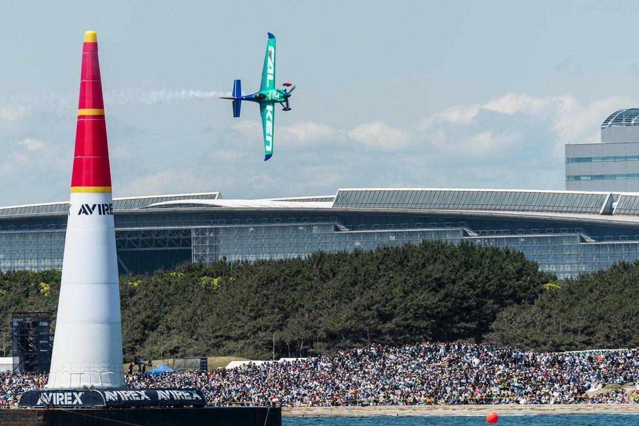 今年も超エキサイティングなレース「レッドブル・エアレース」が千葉・幕張にやってくる