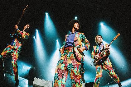BRADIO NHKホール公演の特別編集版ライブ映像をプレミア公開、メンバー3人がチャットに登場