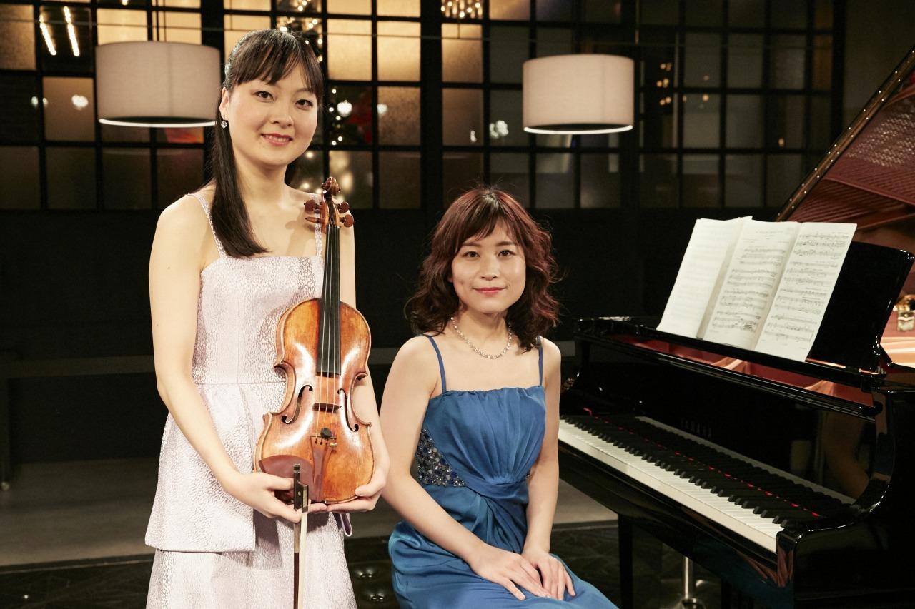 正戸里佳(ヴァイオリン)、福原彰美(ピアノ)