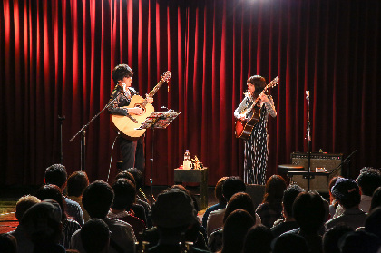Reiと佐々木亮介(a flood of circle)が弾き語りで初競演『ACOUSTIC-SHUFFLE NIGHT in Osaka』