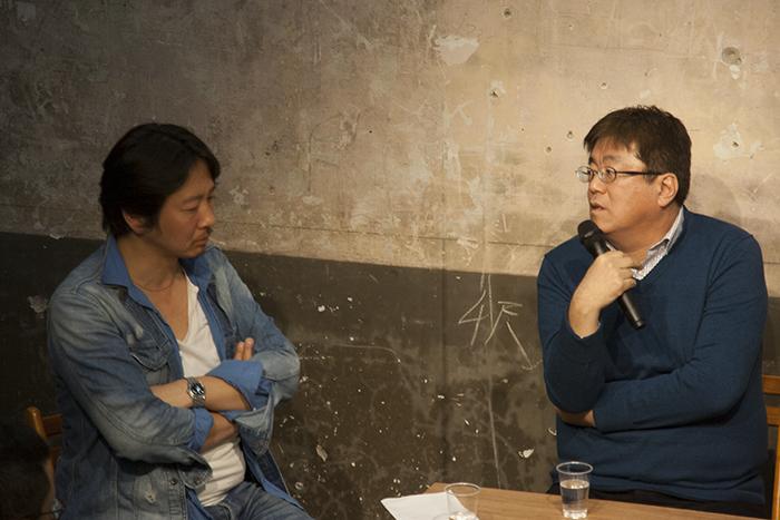 (左から)梶原涼晴氏、江良至氏