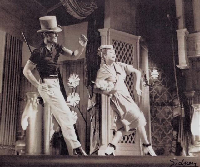 リハーサル中のマージ&ガワ―・チャンピオン。夫のガワ―・チャンピオンは、後にブロードウェイの振付・演出家として大成した。Photo Courtesy of Marge Champion