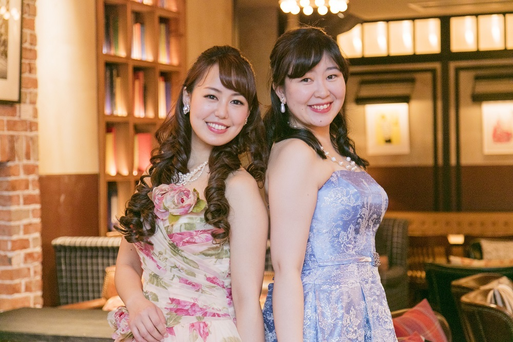 (左から)鈴木玲奈、天日悠記子