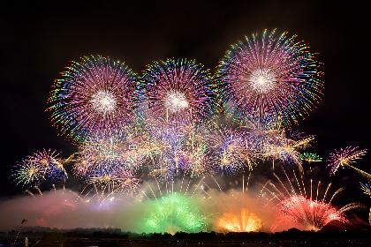 「絶対に見ておきたい花火」と言われる理由とは? 全国トップクラスの花火師が競い合う赤川花火